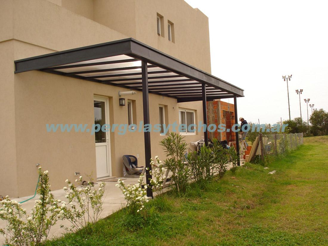 Techos de policarbonato cerramientos de policarbonato for Tipos de techos para porches