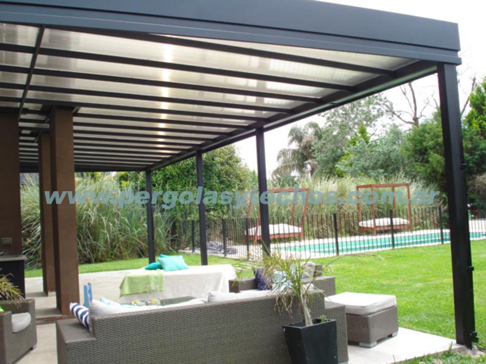 30 model pergolas metalicas con policarbonato for Techos de metal para terrazas