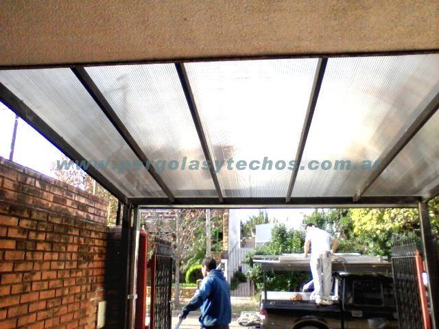 Techos de policarbonato cerramientos de policarbonato for Techos de policarbonato para garage